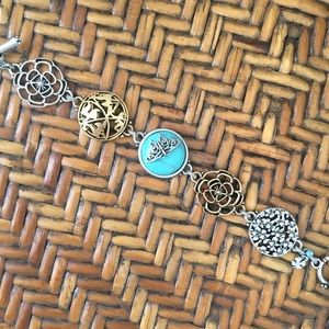 NWT Lucky Toggle Bracelet